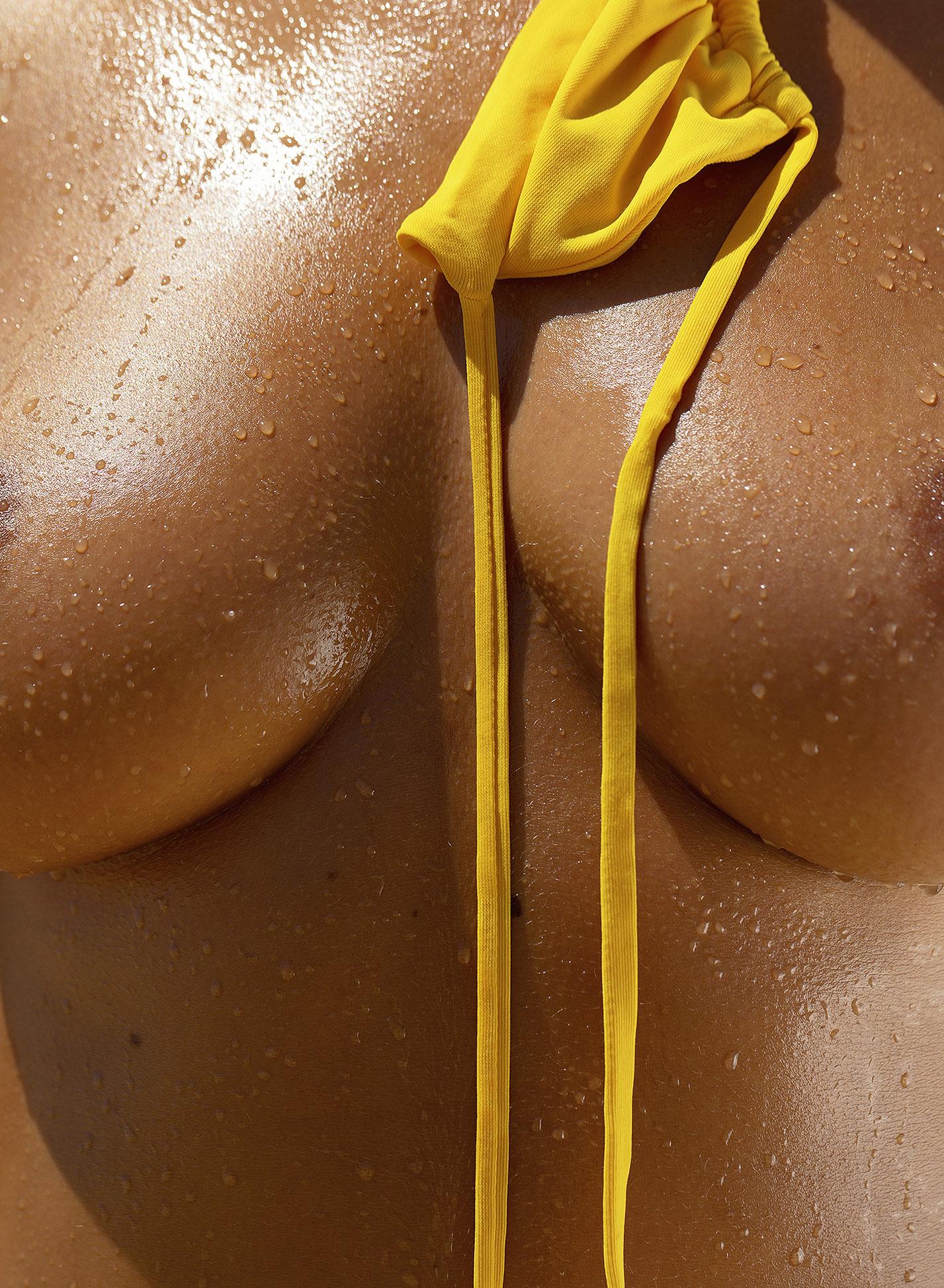 Сексуальная голая Наталья Андреева под жарким солнцем на диком пляже в Португалии / фото 29