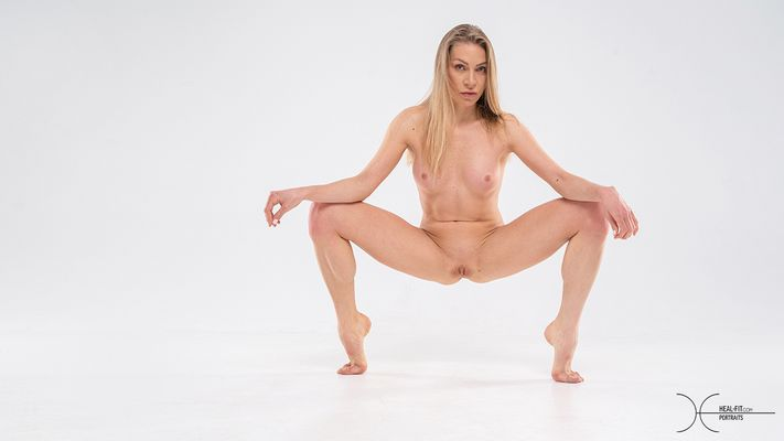 [Heal-Fit.com] 2021.05.06 Ella Linder - Training & Competition [Glamour] [6006x3996, 60 photos]