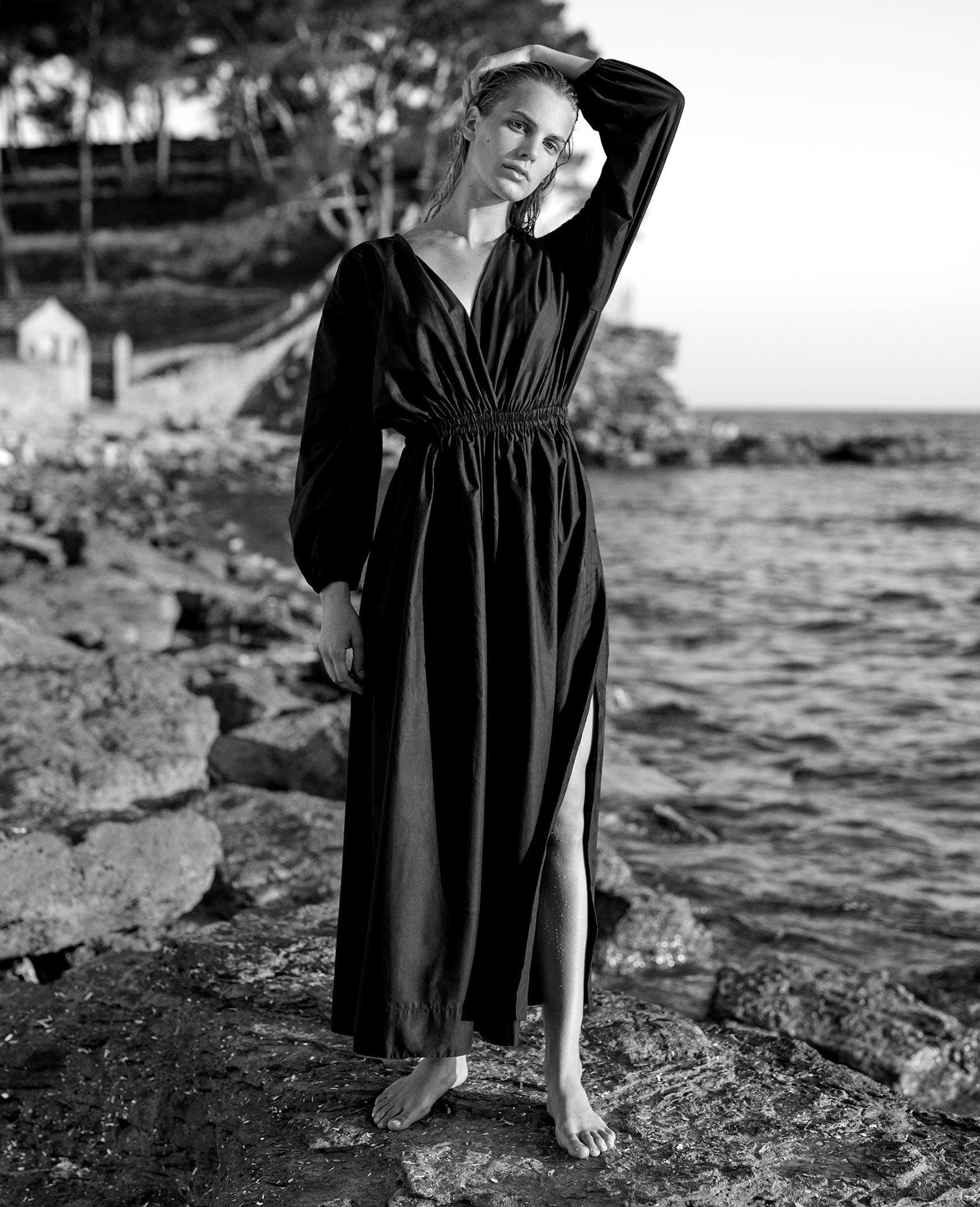 Кларенс Хаастер в купальниках и пляжной одежде модного бренда Matteau, лето 2019 / фото 09