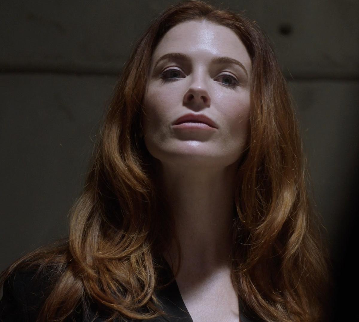 Bridget Regan - MacGyver S03E12