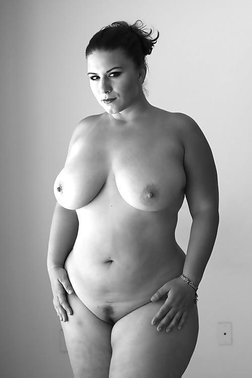 Beautiful voluptuous naked women-8581