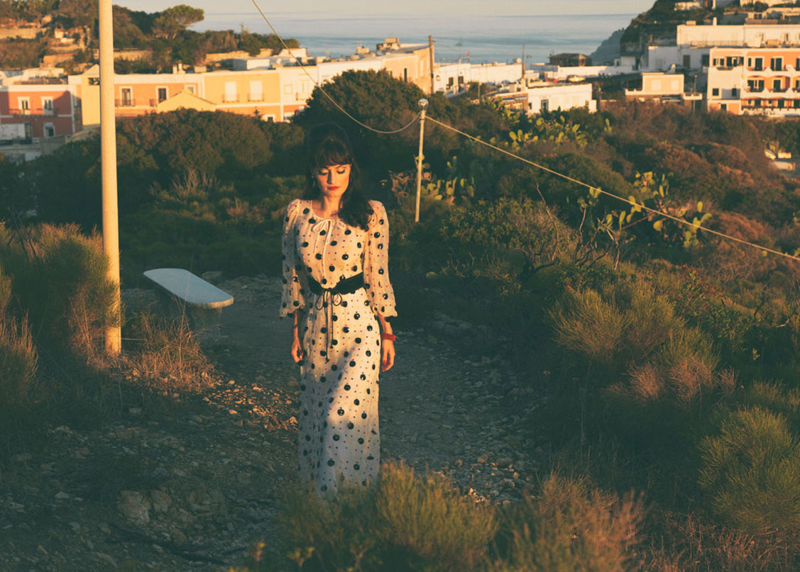 отдых на острове Понца, Италия / Rita Lynch by Paula Kopczynski / Breath of spring 1962