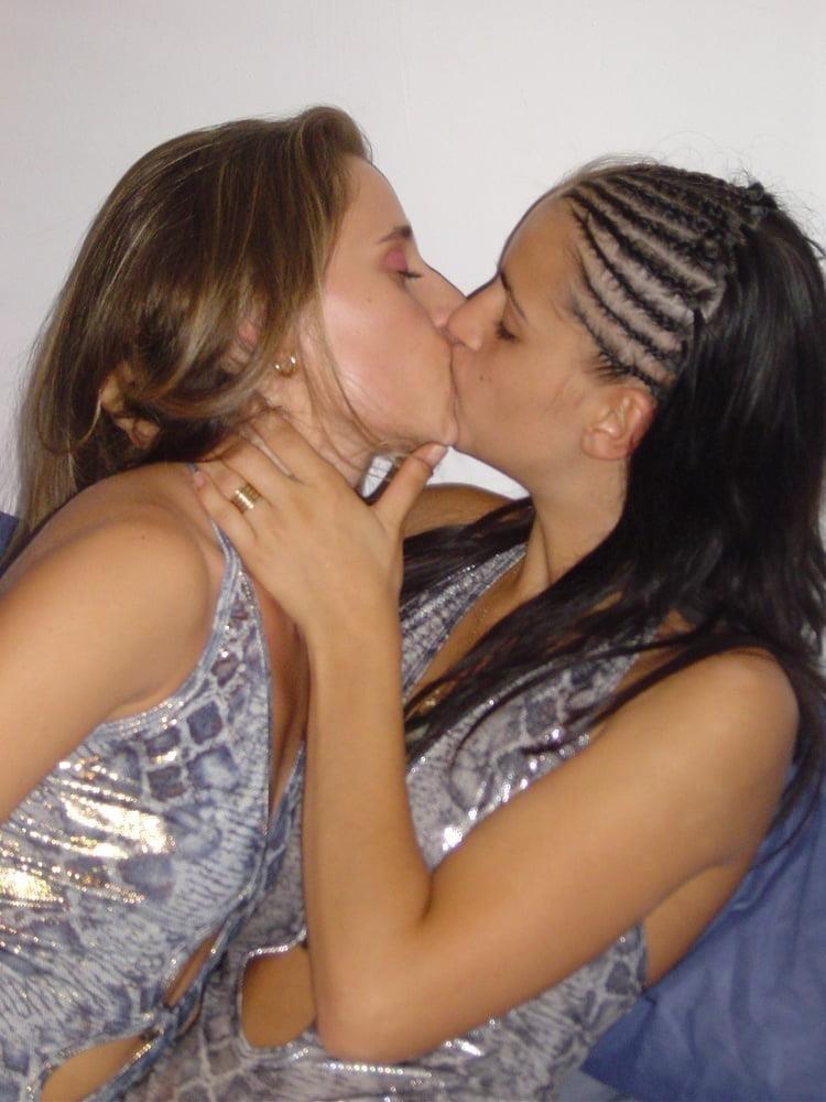 Girls kissing youporn-6364