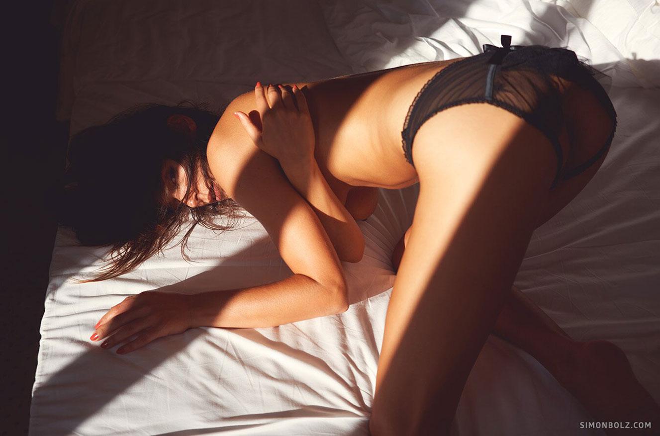 Сильвия Лорем в сексуальном черном нижнем белье / фото 19
