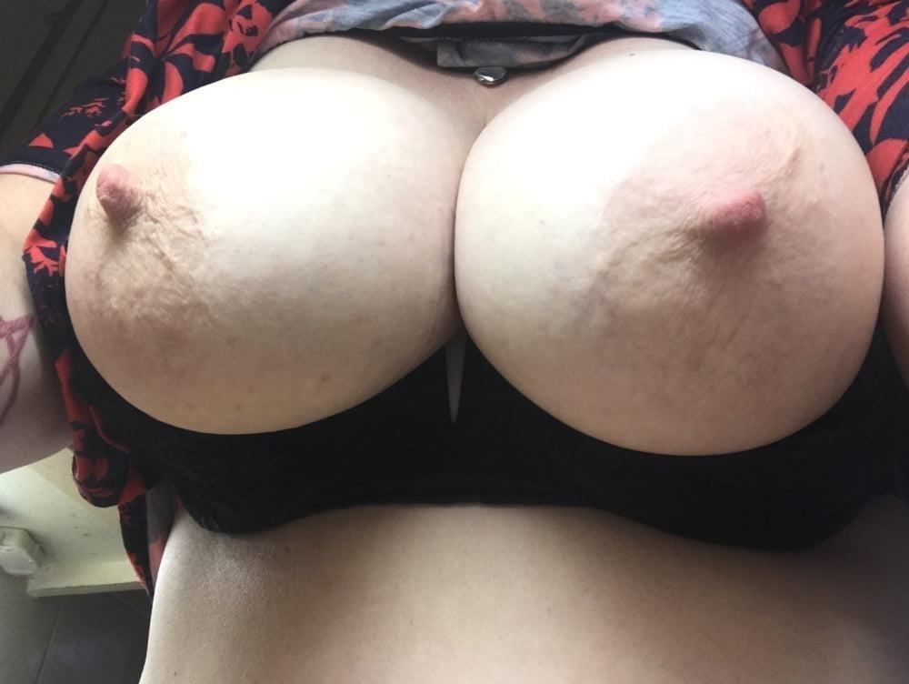 Lesbian big tit pic-7577