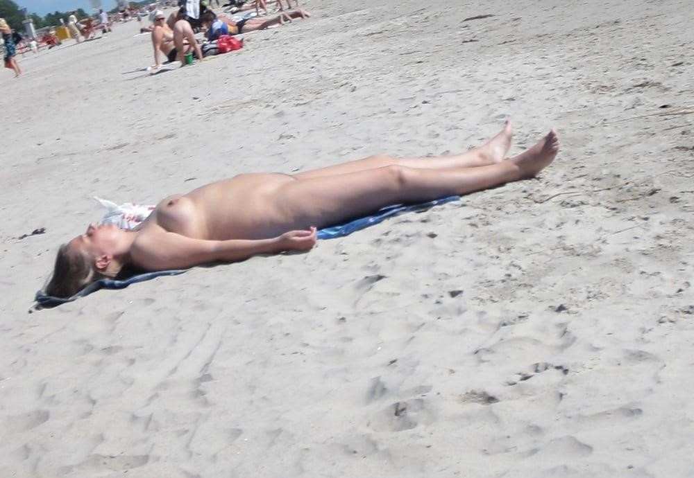 Nude blonde at beach-4310