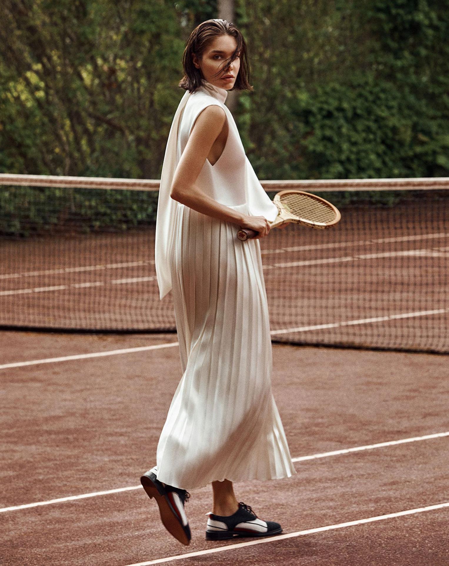 -Королева кортов- Мишель Дантас в модной одежде спортивного стиля / фото 01