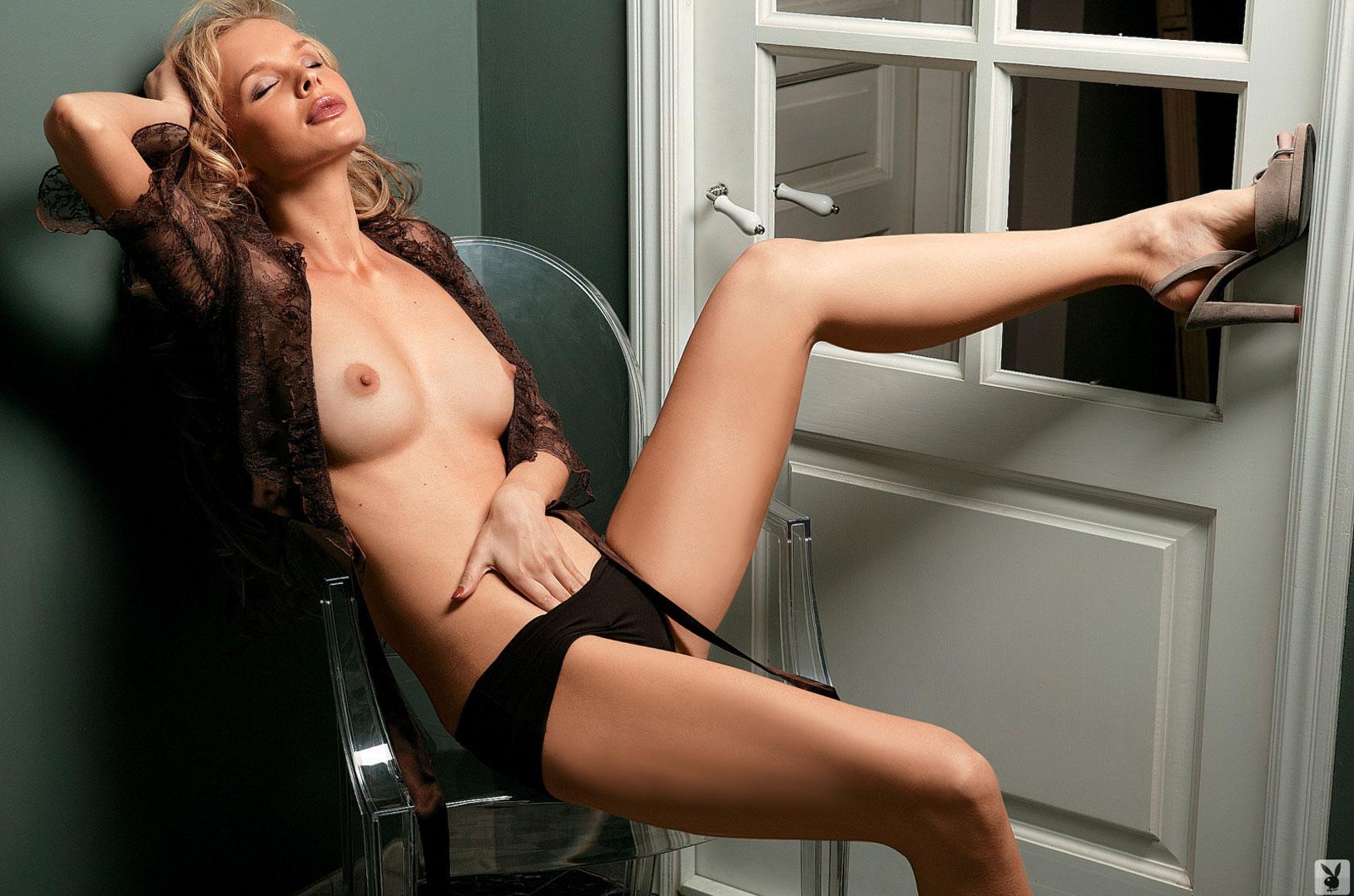 Девушка месяца Ольга Курбатова, Playboy Россия март 2005 / фото 04