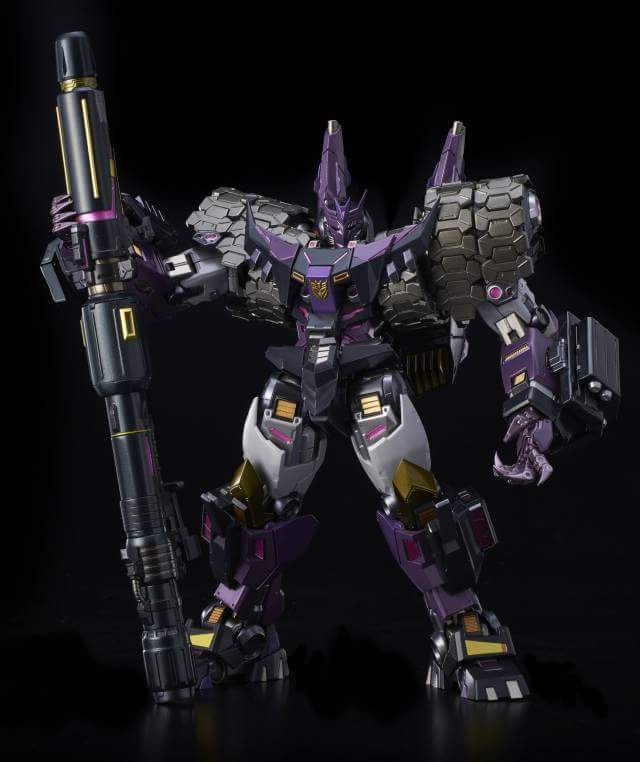 [Flame Toys] Figurines Drift, Optimus, Tarn, Star Saber, etc (non transformable - autorisé par Hasbro) - Page 2 WgUUgxQj_o