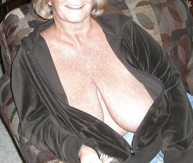 Granny big tit pics-6870