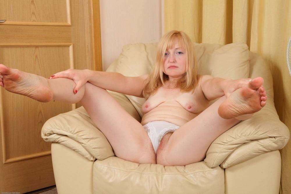 Mature hairy women vids-9907