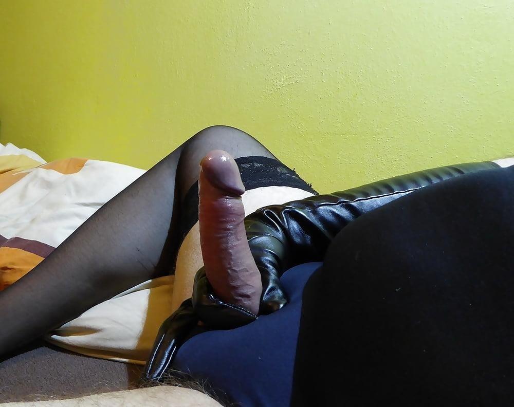 Huge penis masturbation-2484