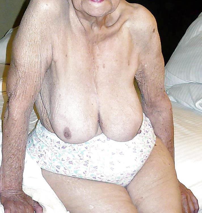 Older women nude beach-7158
