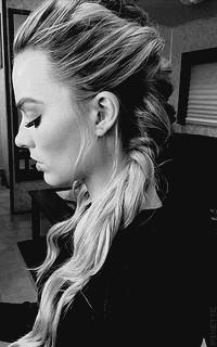 Margot Robbie Tzami1dC_o