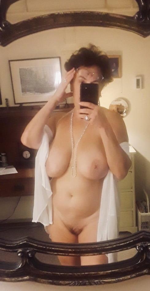 Mature naked milf-4177