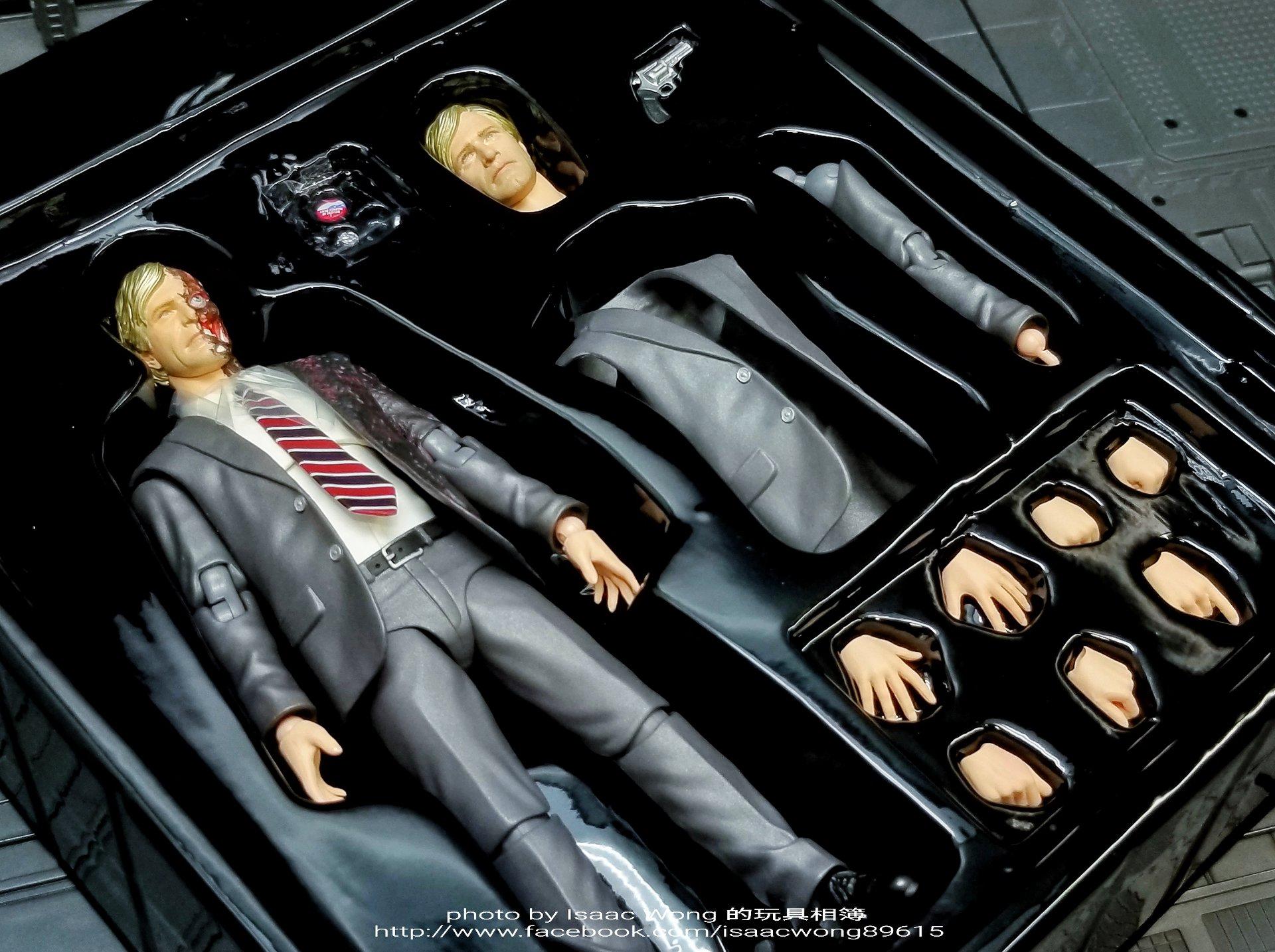 Batman The Dark Knight : Harvey Dent Mafex (Medicom Toys) AOhmQjPt_o