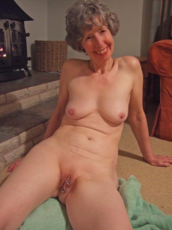 Older women cunnilingus-4336