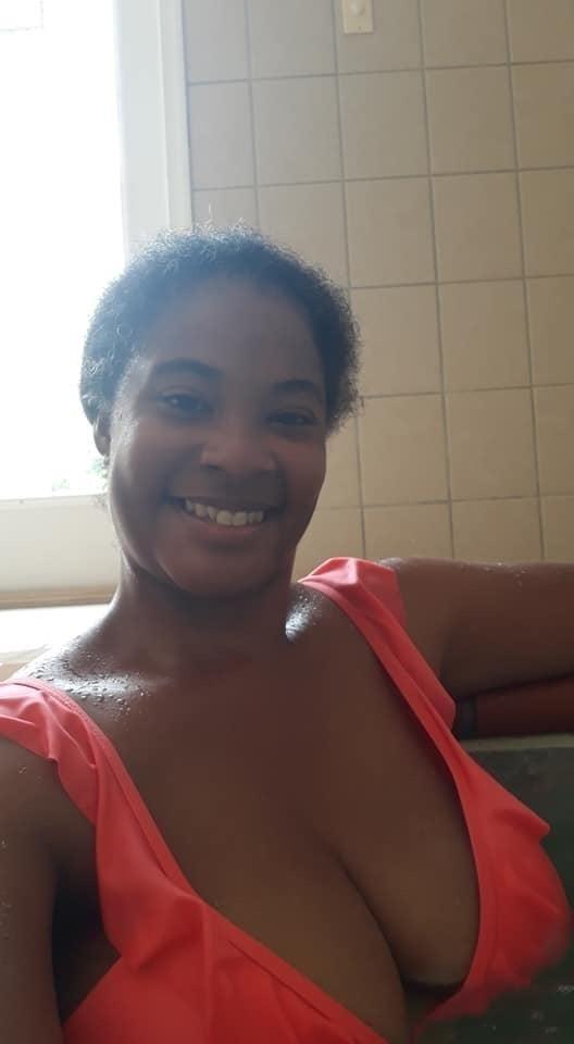 Mature mom nude selfies-8569