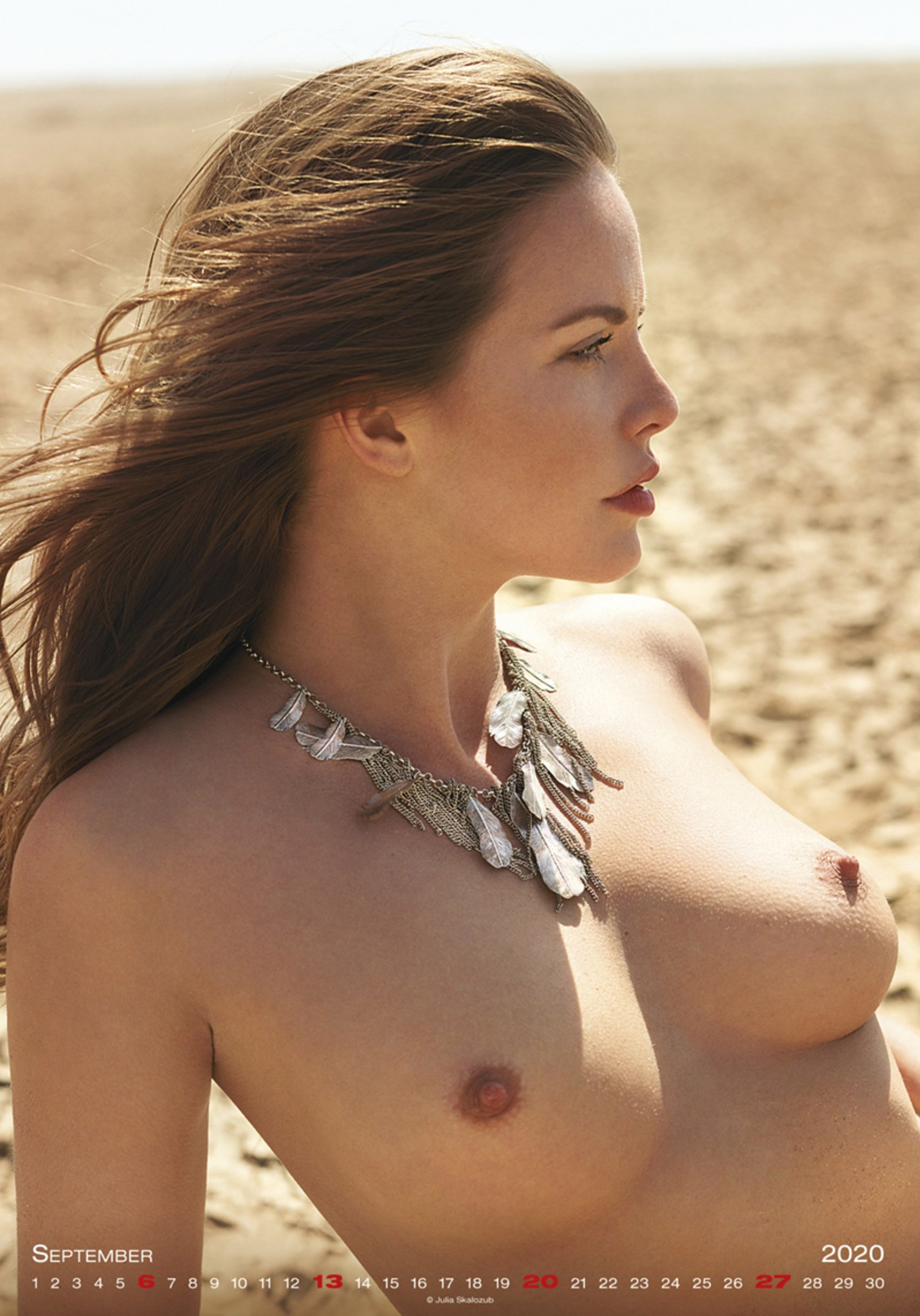 Сексуальные голые девушки в календаре на 2020 год, фотограф Юлия Скалозуб / сентябрь