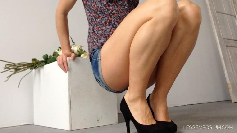 Bodybuilder female clit-8018
