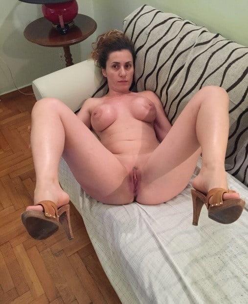 Amateur matures nude pics-9947