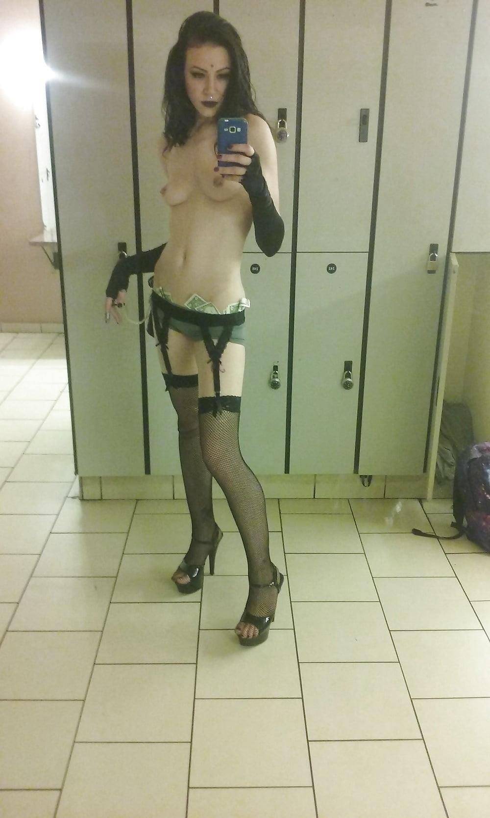Nude tinder selfies-3915