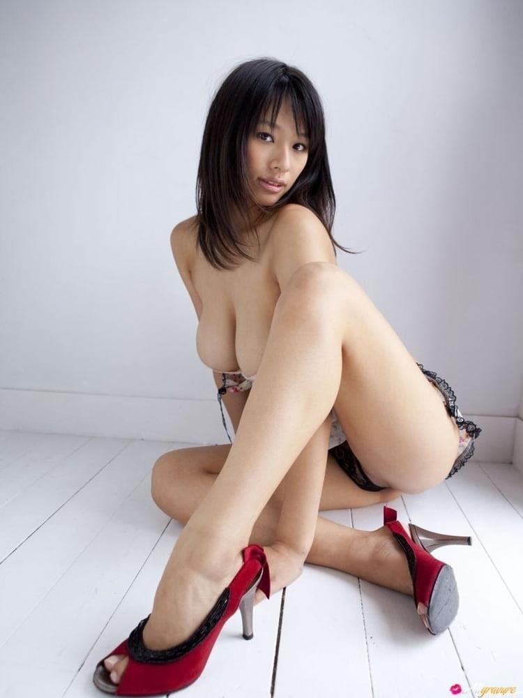 Small tits porn gif-9360