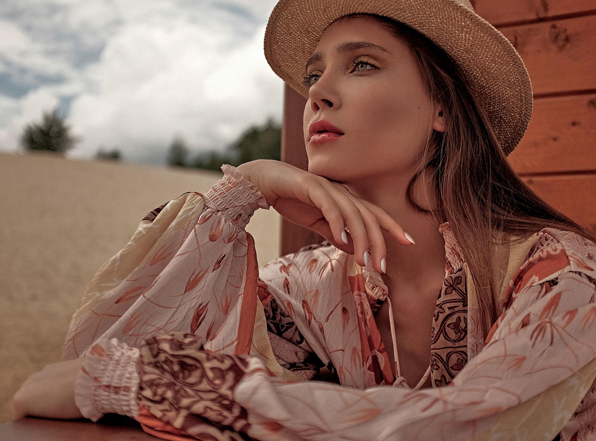 Ксения Белова проводит отпуск на родине / фото 01
