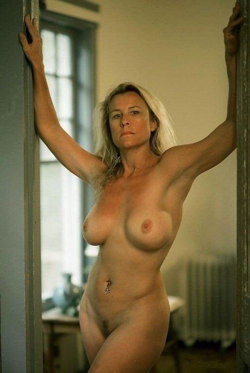 Naked mature thai women-5782