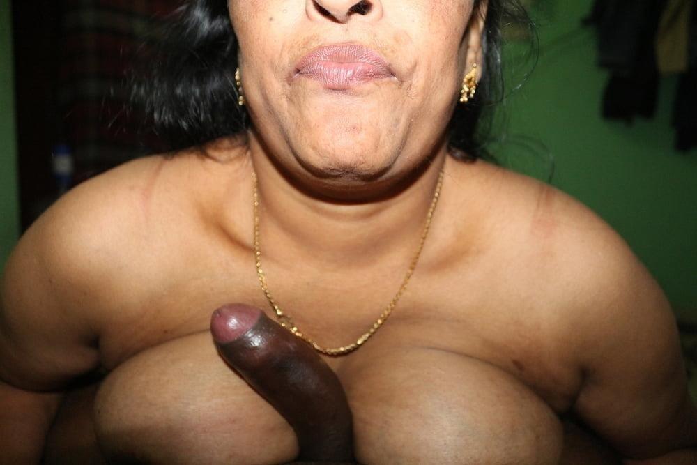 Reshma aunty nude-6531