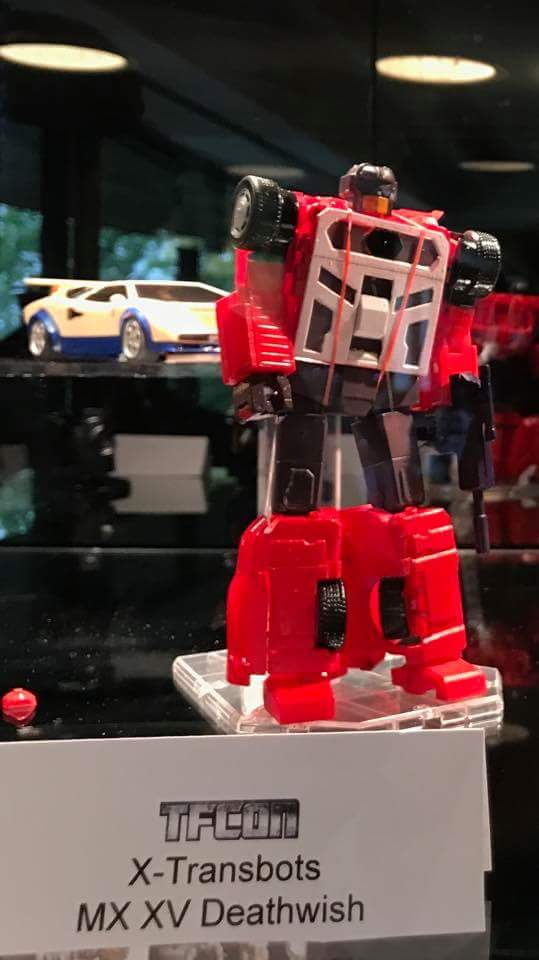 [X-Transbots] Produit Tiers - Jouets Berserkars forme Monolith (MX-XIII à MX-VII) - aka Stunticons forme Menasor/Menaseur - Page 3 8y9rYDA2_o