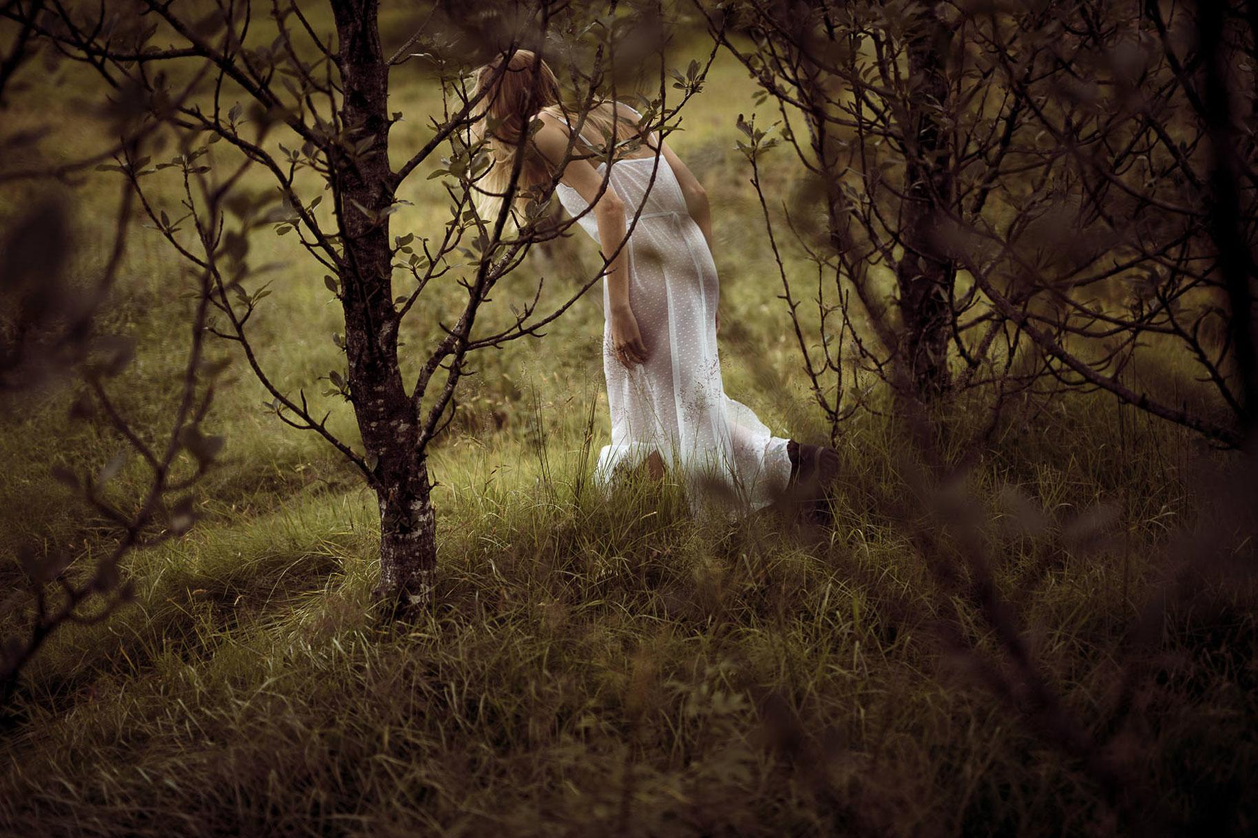 Яна Нагорняк гуляет по лесам и полям Исландии / фото 24