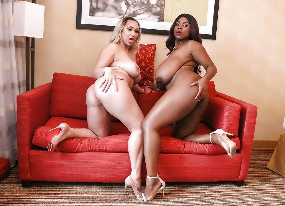 Curvy lesbian pics-3466