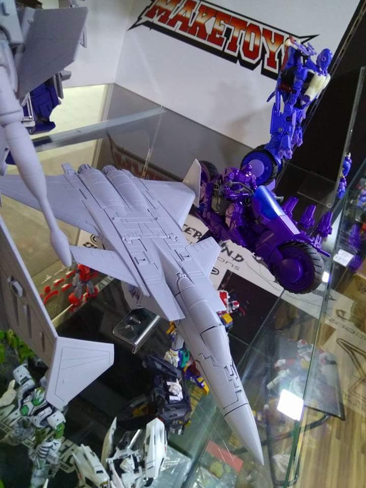 [Maketoys] Produit Tiers - Jouets MTRM-15 Endgame (aka Dirge/Funébro), MTRM-16 Jetstream (aka Thrust/Fatalo) & MTRM-17 Booster (aka Ramjet/Statoréacto) LJ067pMZ_o