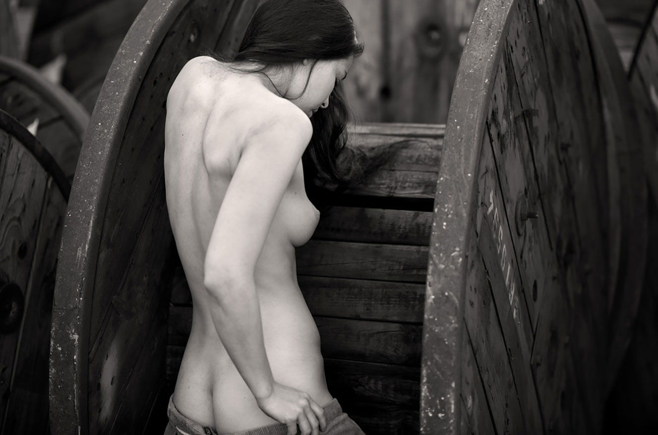 Алина Небула топлес / фото 01