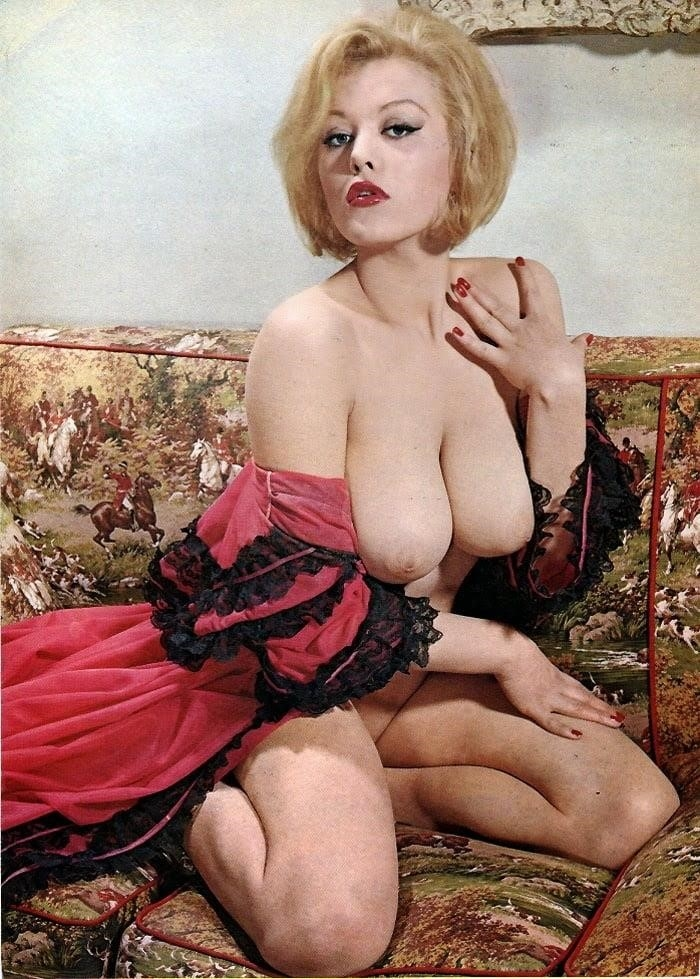 Big boobs model photo-4088