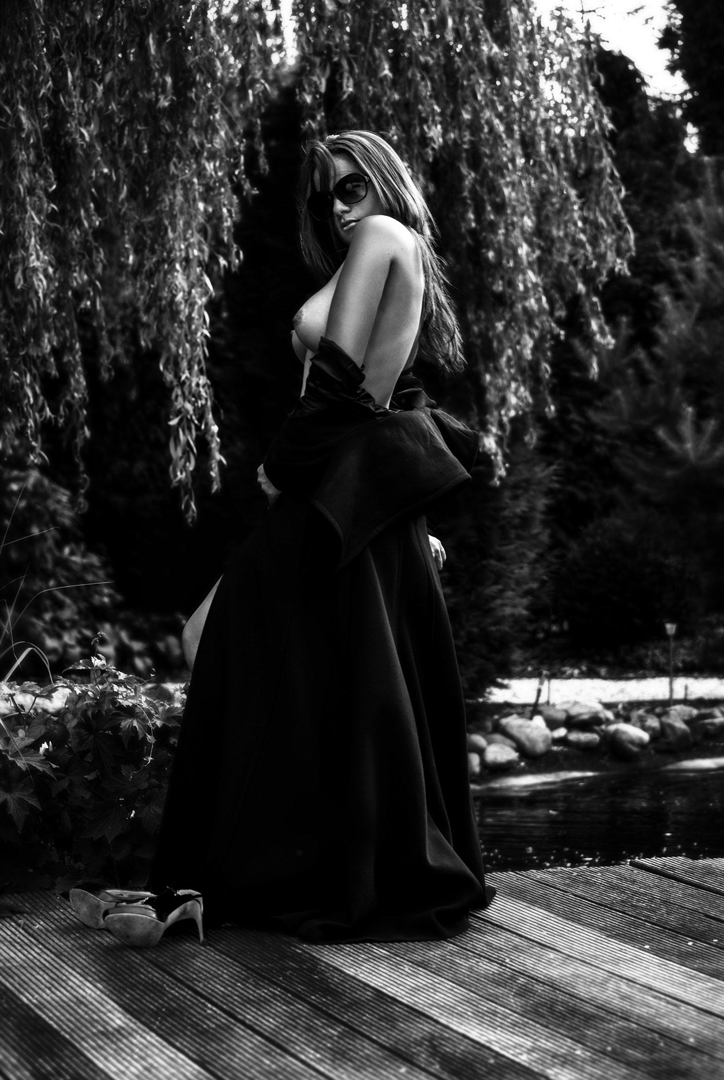 Жаркий день с сексуальной Алиной / Alina Mekhalko nude by Thierry Goovaerts