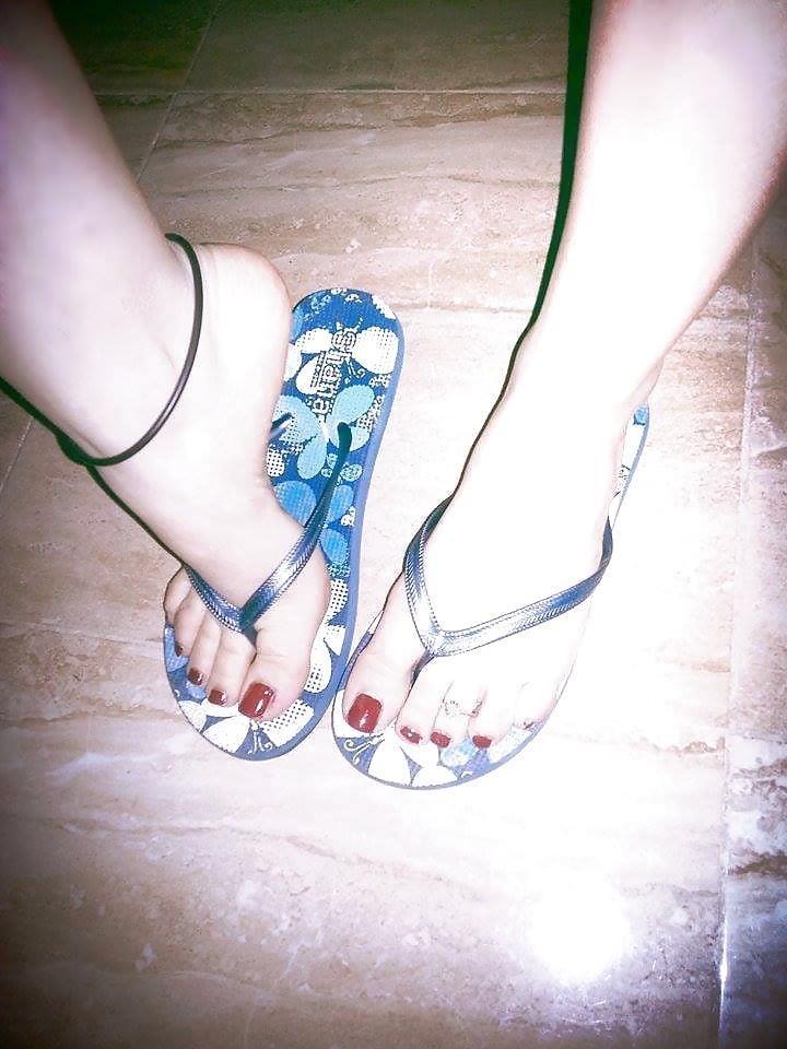 Nylon feet arab-8485