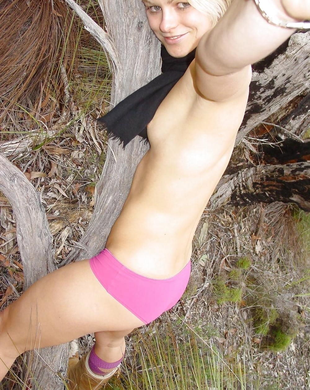 Naked girl taking selfie-9854