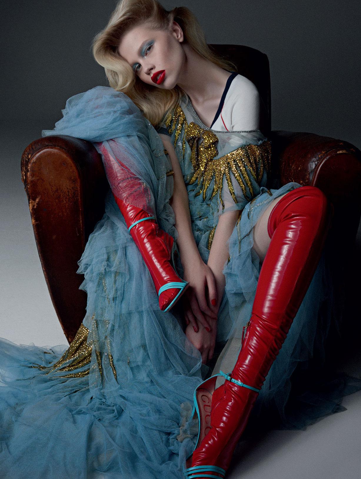 Sexy Glam / Lola Gleich by Nicole Heiniger / LOfficiel Brazil august 2017 / в красных сапогах