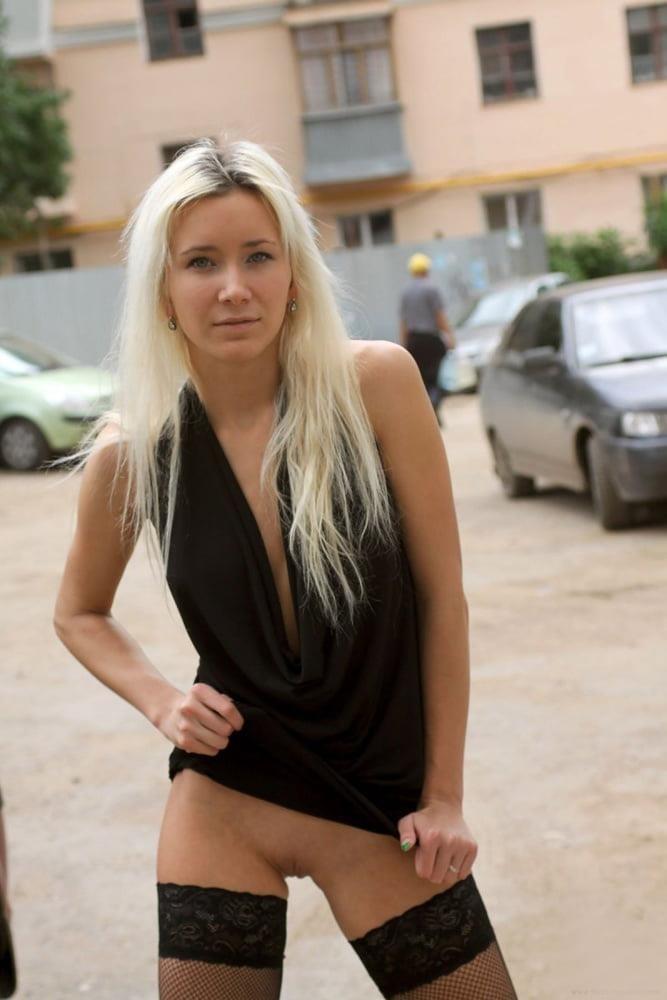 Russian blonde girl porn-1827