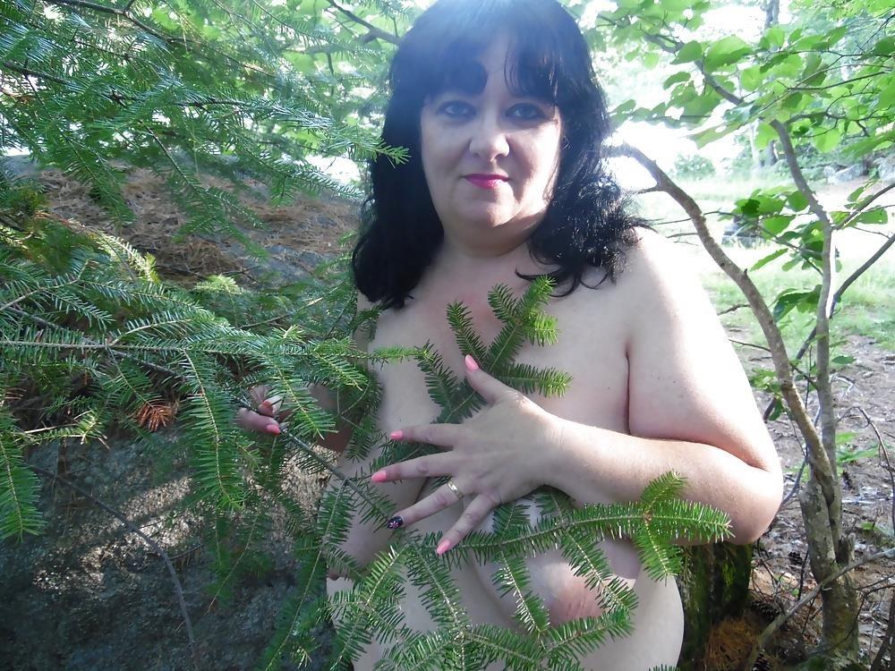 Hot mom big tits pic-1890