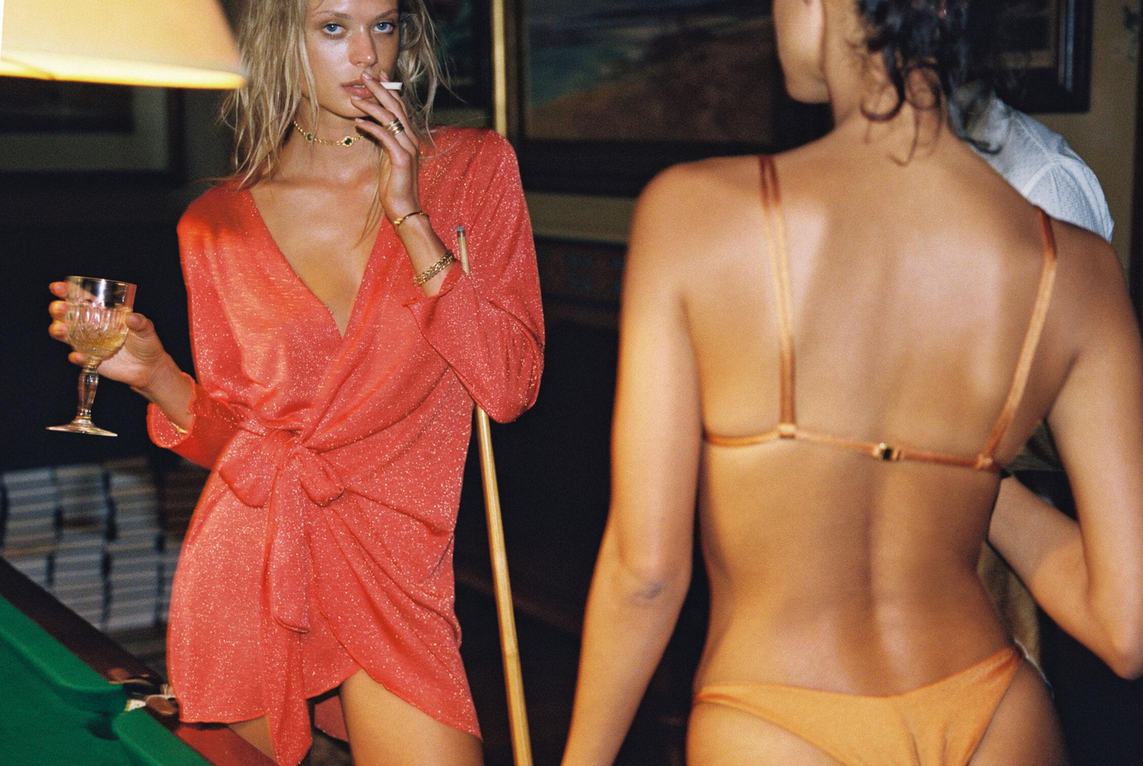 гедонистические развлечения богемы в рекламной кампании коллекции курортной одежды Sommer Swim 2020 / фото 09