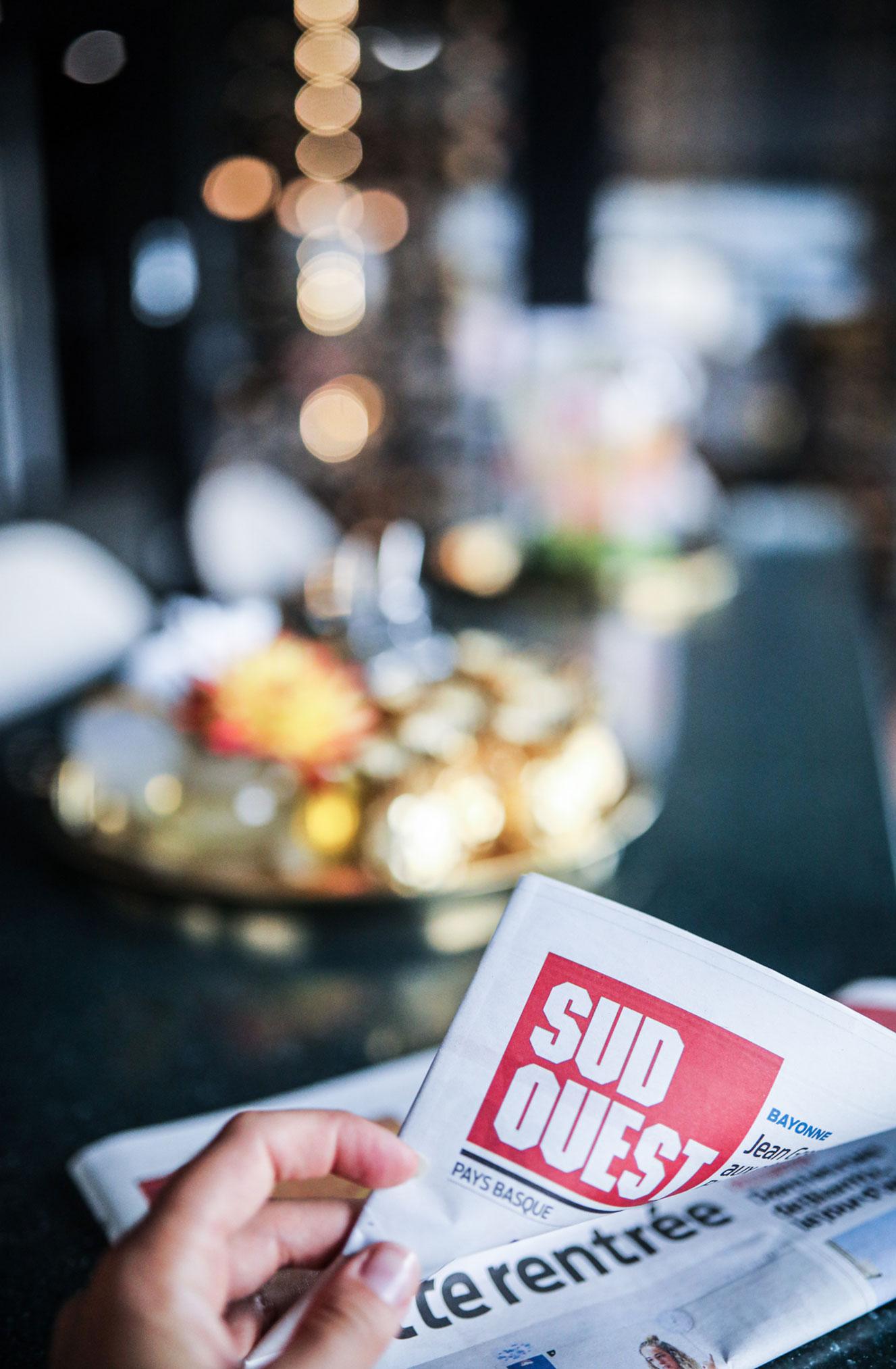 Ева Грейв в отеле Cosmopolitain в Биаррице / фото 08