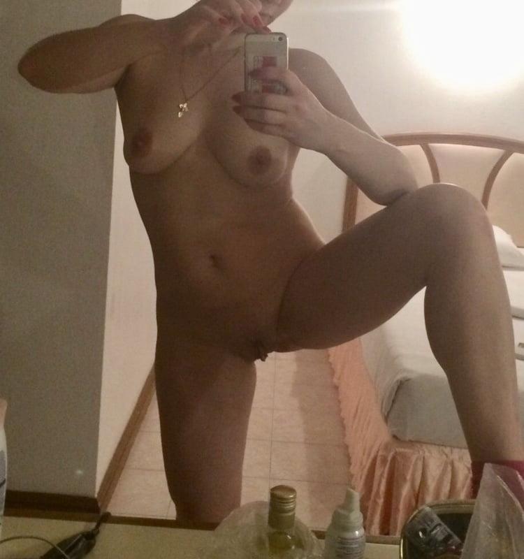 Selfie nude babe-6869