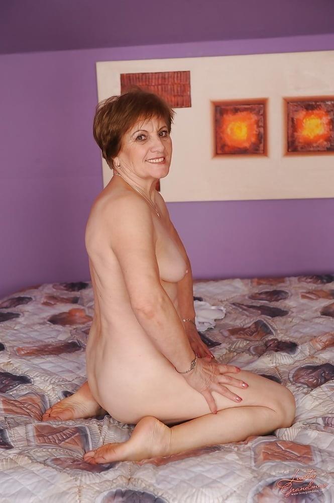 Lady granny free porn-9650
