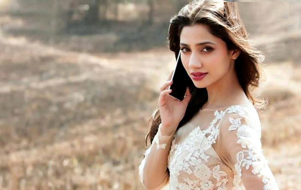 Mahira khan sexy photos-7555