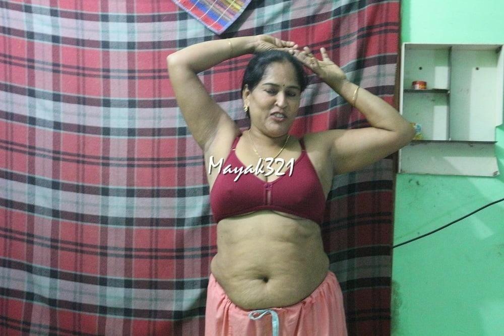 Reshma aunty nude-2910