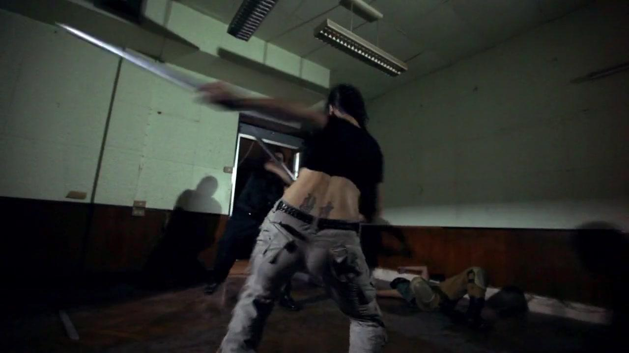 Kill'em All (2012) 720p BluRay x264 [Multi Audios][Hindi+Tamil+English]