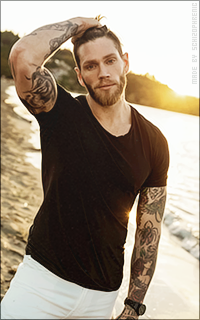 Ryan Crane 4FWKwOND_o